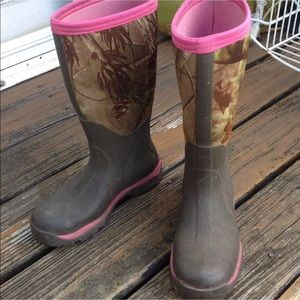 release info on new products first look Camo Muck Boots for sale | Only 3 left at -70%